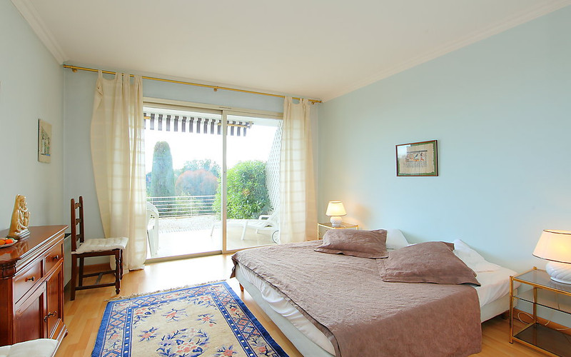 Rental Apartment Les Hortensias - Cannes, 2 bedrooms, 6 persons - Photo 12