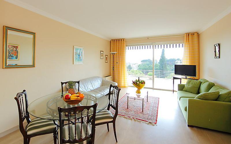 Rental Apartment Les Hortensias - Cannes, 2 bedrooms, 6 persons - Photo 4